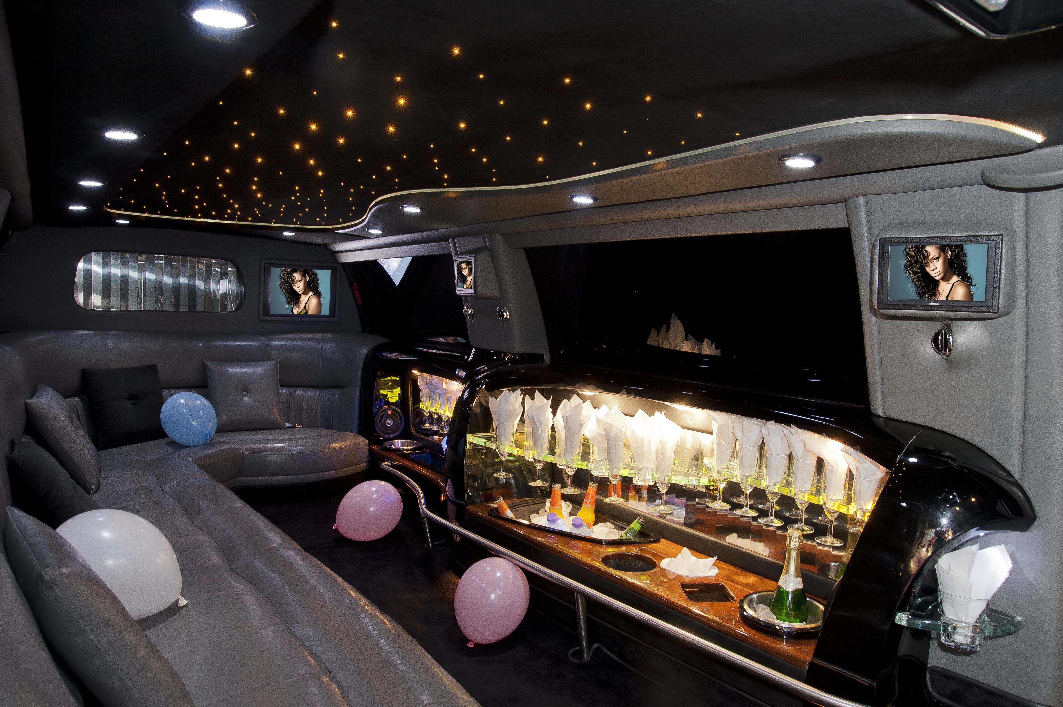 Lancs Stretched Excursion Limo